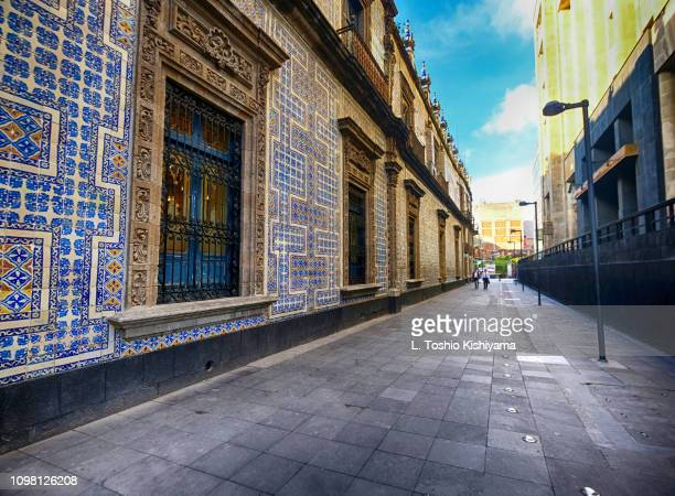 alley in mexico city, mexico - mexico city stock pictures, royalty-free photos & images
