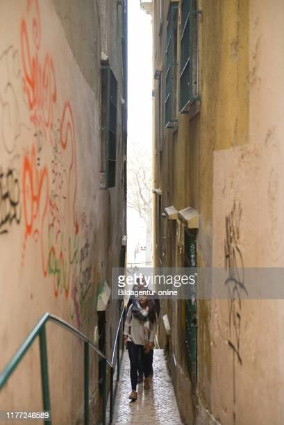 Alley in the old town, Alfama, Lisbon, Portugal, Altstadtgasse, Lissabon.