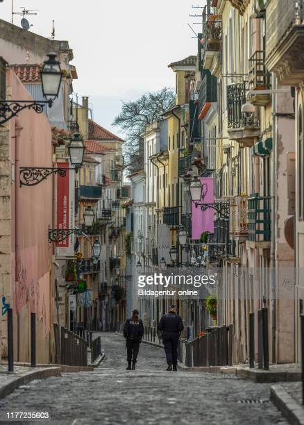 Alley in the old town, Rua Da Rosa, Bairro Alto, Lisbon, Portugal, Altstadtgasse, Rua da Rosa, Lissabon.