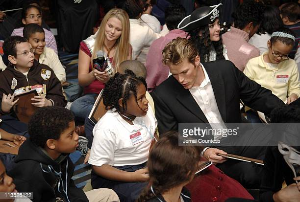 Alli LaForce Miss Teen USA and Jason Lewis during New York Knicks TipOff ReadtoAchieve Campaign with Halloween Bash for Kids at Planet Hollywood at...