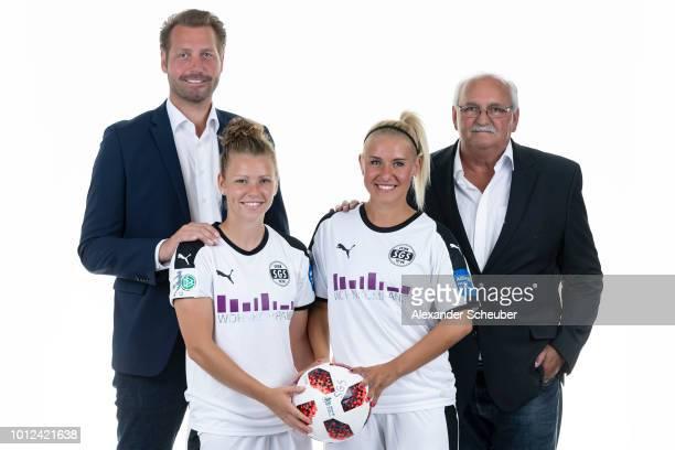 Allianz Insurance Manager Bjoern Bartnick Linda Dallmann Ina Lehmann and Allianz Insurance Manager Walter Kraetzer pose during the SGS Essen Women's...