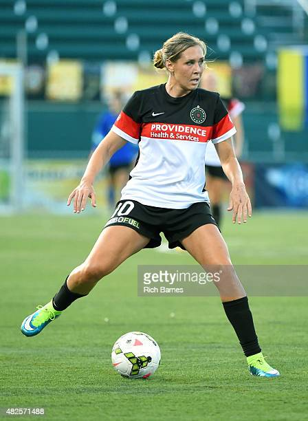 Allie Long of Portland Thorns FC controls the ball against the Western New York Flash during the first half at Sahlen's Stadium on July 29 2015 in...