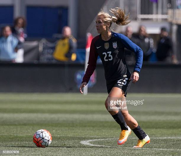 Allie Long of the United States controls the ball against Colombia at Talen Energy Stadium on April 10 2016 in Chester Pennsylvania The United States...
