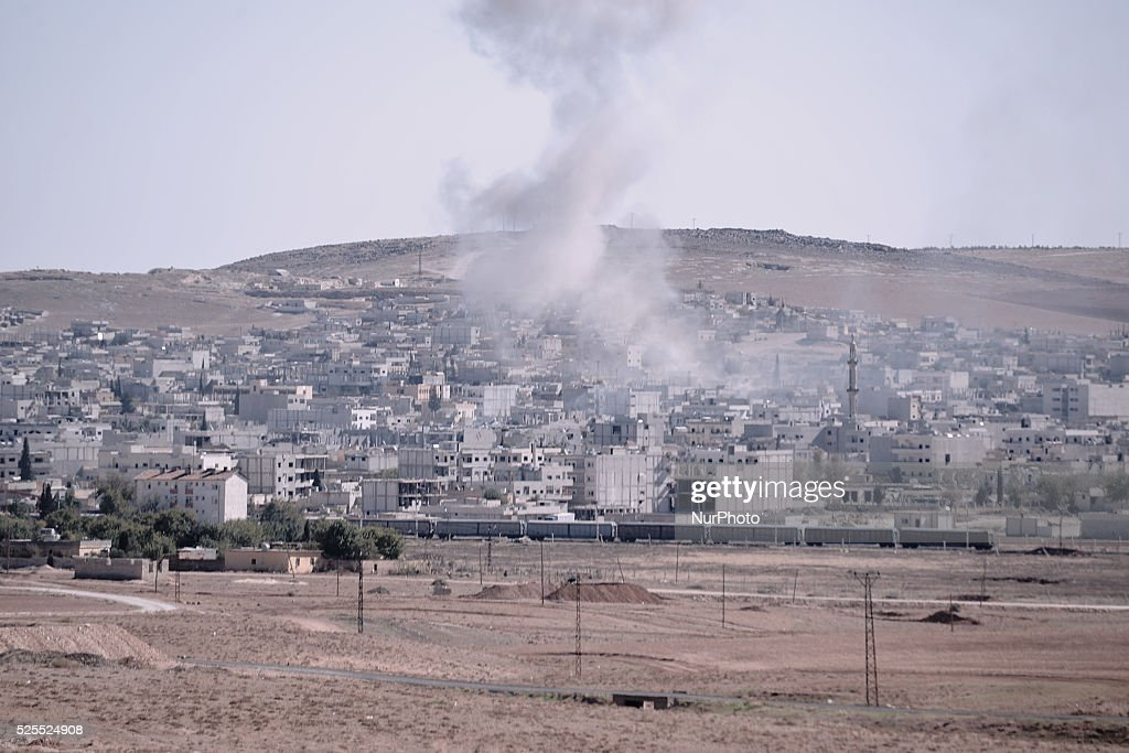 Syrian Kurds Battle IS To Retain Control Of Kobani : News Photo