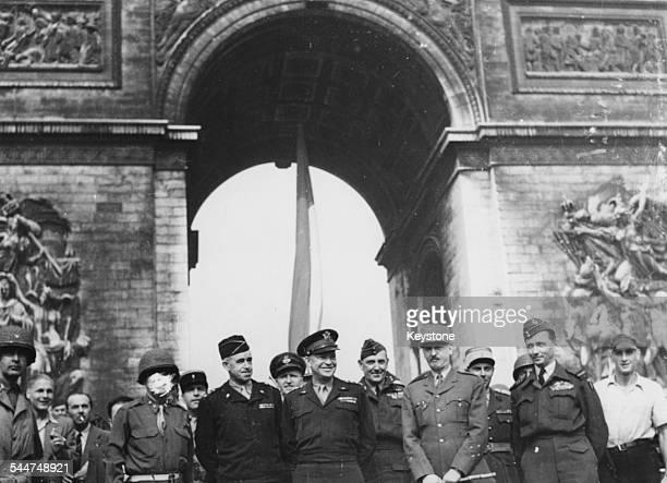 General Omar Bradley General Dwight Eisenhower General MariePierre Koenig and Air Marshal Arthur Tedder in front of the Arc de Triomphe during World...