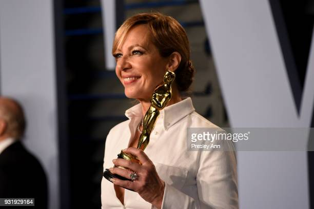 Allison Janney attends the 2018 Vanity Fair Oscar Party Hosted By Radhika Jones Arrivals at Wallis Annenberg Center for the Performing Arts on March...