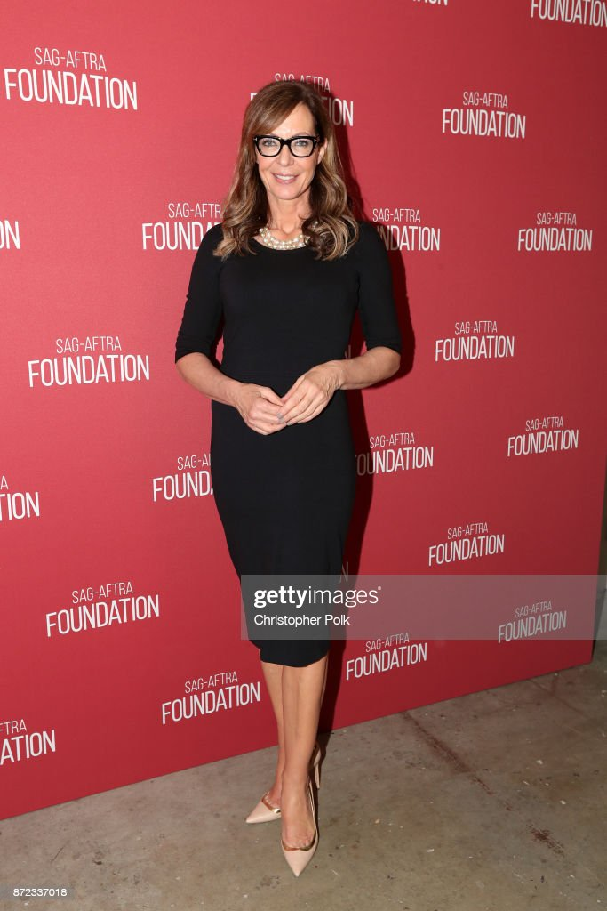Allison Janney attends the SAG-AFTRA Foundation Patron of the Artists Awards 2017 at the Wallis Annenberg Center for the Performing Arts on November 9, 2017 in Beverly Hills, California.