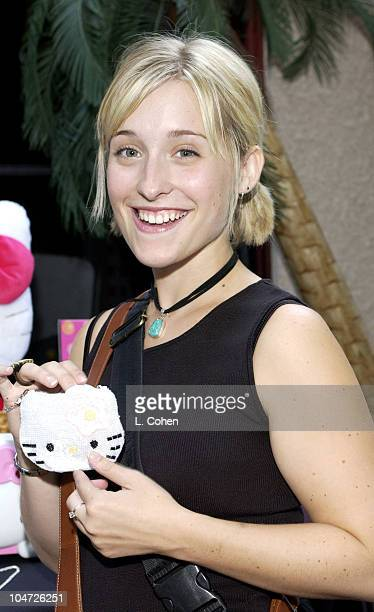 Allison Mack at the Hello Kitty table of Backstage Creations Talent Retreat