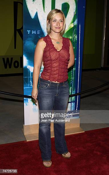 Allison Mack at the Renaissance Hollywood Hotel in Hollywood California
