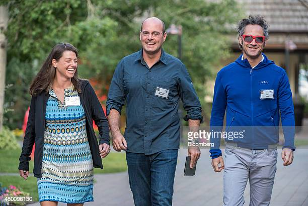Allison Mignone wife of Roberto Mignone from left Roberto Mignone portfolio manager for Bridger Management and Alexander Karp chief executive officer...