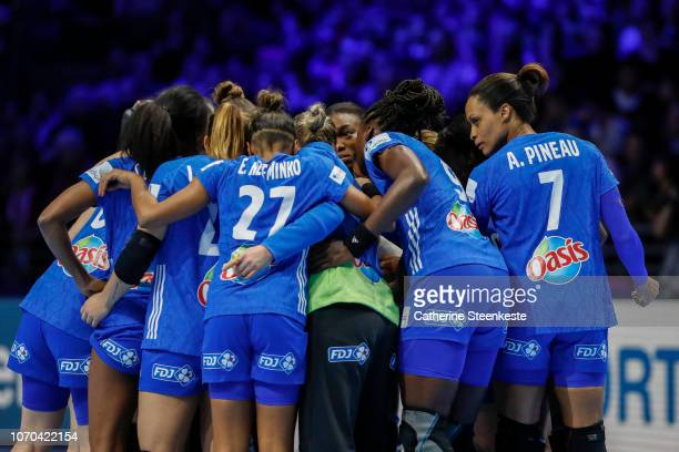 Allison Pineau of France and her teammates are huddling after the EHF Women's Euro main stage match between Sweden and France at Parc des Expositions...