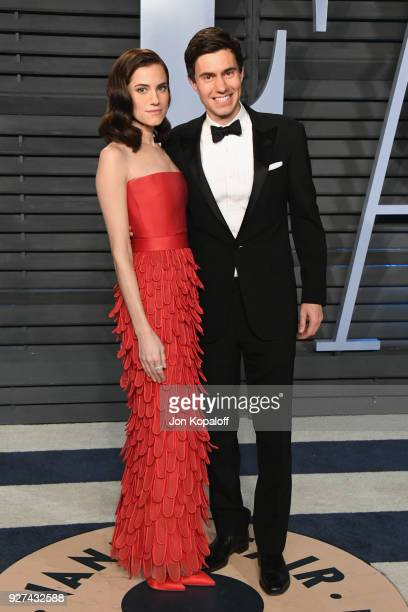 Allison Williams and Ricky Van Veen attend the 2018 Vanity Fair Oscar Party hosted by Radhika Jones at Wallis Annenberg Center for the Performing...