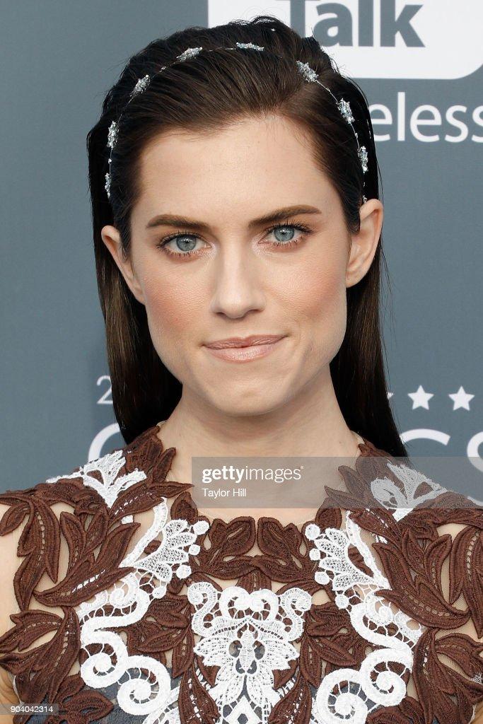 Allison Williams attends the 23rd Annual Critics' Choice Awards at Barker Hangar on January 11, 2018 in Santa Monica, California.