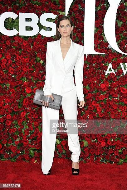 Allison Williams attends the 70th Annual Tony Awards at the Beacon Theatre on June 12 2016 in New York City