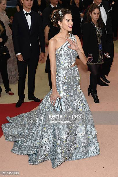 Allison Williams attends the 'Manus x Machina Fashion In An Age Of Technology' Costume Institute Gala at Metropolitan Museum of Art on May 2 2016 in...