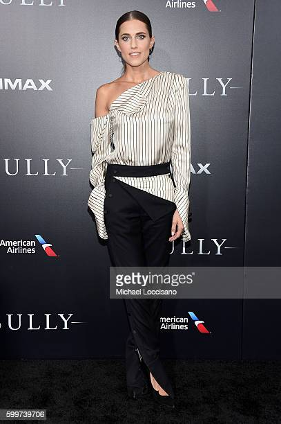 Allison Williams attends the 'Sully' New York Premiere at Alice Tully Hall on September 6 2016 in New York City