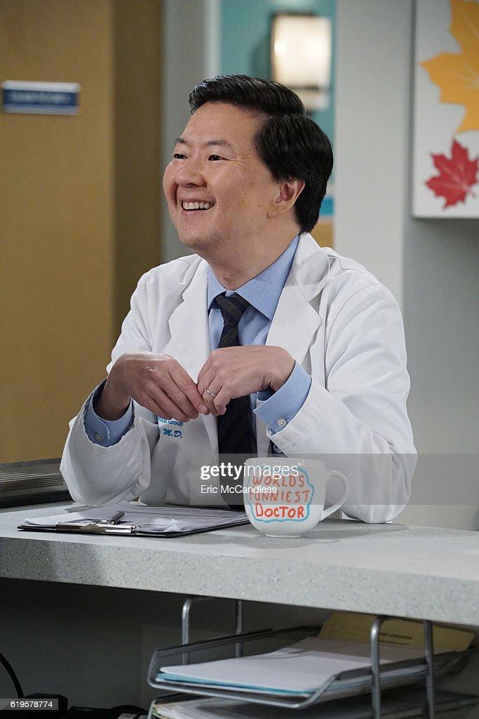 """ABC's """"Dr. Ken"""" - Season Two : News Photo"""
