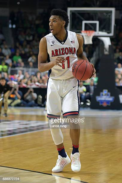 Allonzo Trier of the Arizona Wildcats moves the ball against the Wichita State Shockers during the first round of the 2016 NCAA Men's Basketball...