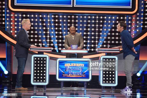 All-Stars vs. NFLPA Legends and Oliver Hudson vs. Joe Buck Its the ultimate showdown when rosters of NFLPA legends and All-Stars face off to see...