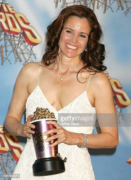 """Ally Sheedy, winner of the Silver Bucket of Excellence Award for """"The Breakfast Club"""""""