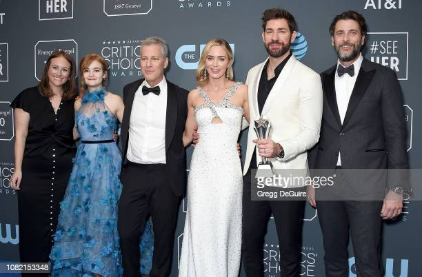 Allyson Seeger Millicent Simmonds Brad Fuller Emily Blunt John Krasinski and Andrew Form winners of Best SciFi/Horror Movie for 'A Quiet Place' pose...