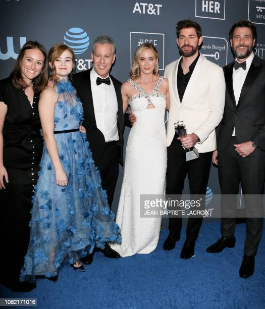 """Allyson Seeger, Millicent Simmonds, Brad Fuller, Emily Blunt, John Krasinski, and Andrew Form winners of Best Sci-Fi/Horror Movie for """"A Quiet Place""""..."""