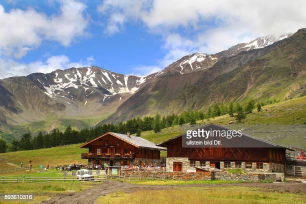Alm Eishof 2076 m Pfossental Herzen des Naturpark Texel Schnals im Schnalstal Urlaub Sommer Italien Italienische Republik italienisch Repubblica...