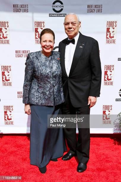 Alma Powell and 2019 Lincoln Medalist General Colin Powell walk the Ovation TVsponsored red carpet at the 2019 Ford's Theatre Gala at Ford's Theatre...