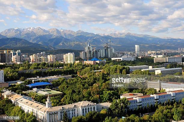 アルマティの街並み - カザフスタン ストックフォトと画像