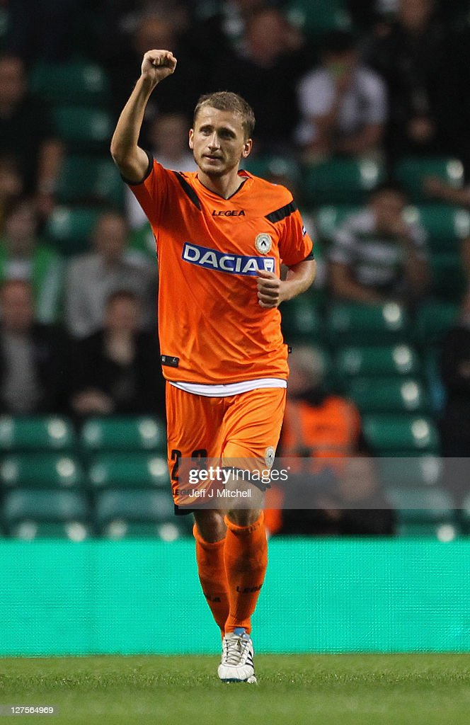 Almen Abdi of Udinese celebrates after scoring the equalizer during the Europa League Group I match between Celtic and Udinese at Celtic Park on September 29, 2011 in Glasgow, United Kingdom.
