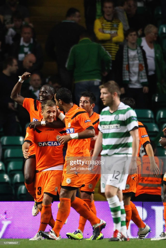 Almen Abdi of Udinese celebrates with team mates after scoring the equalizer during the Europa League Group I match between Celtic and Udinese at Celtic Park on September 29, 2011 in Glasgow, United Kingdom.