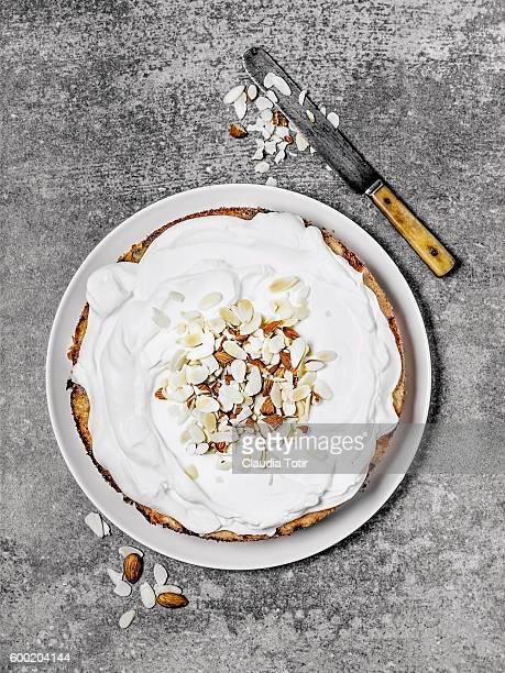 almond cake - sahne stock-fotos und bilder