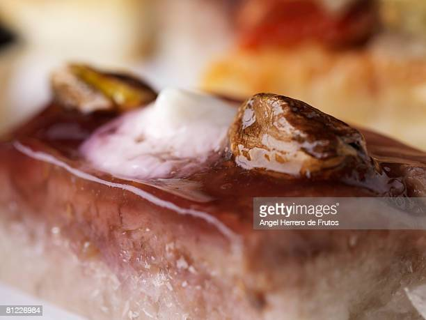 Almond, marmelade and cream cake.