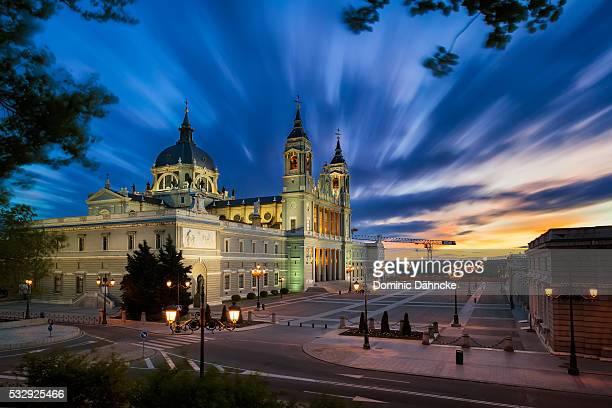 almudena cathedral (madrid) - アルムデナ大聖堂 ストックフォトと画像