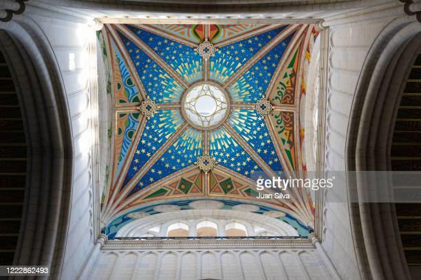 almudena dome ceiling, madrid, spain - アルムデナ大聖堂 ストックフォトと画像