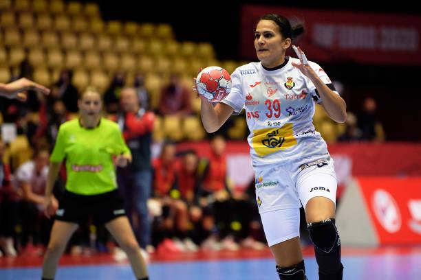 DNK: France vs Montenegro - Women's EHF EURO 2020