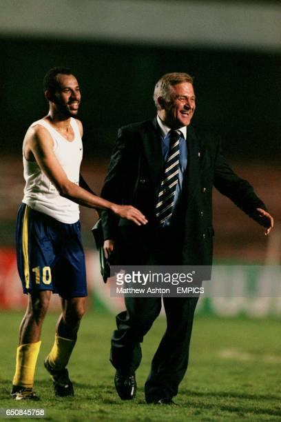 AlNassr's Fuad Al Amin and manager/coach Milan Zivadinovic celebrate the 43 defeat of Raja Casablanca