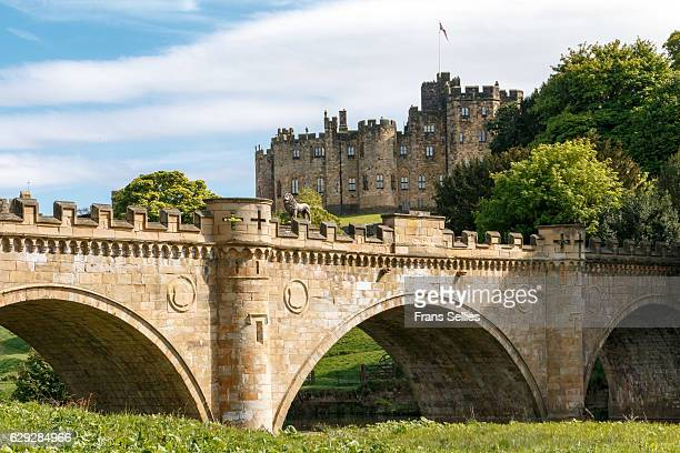 alnwick castle, northumberland, england - alnwick castle stock photos and pictures
