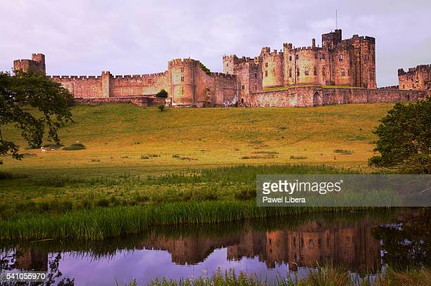 alnwick castle - alnwick castle stock pictures, royalty-free photos & images