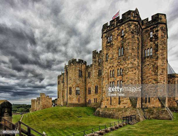 alnwick castle - alnwick castle stock photos and pictures