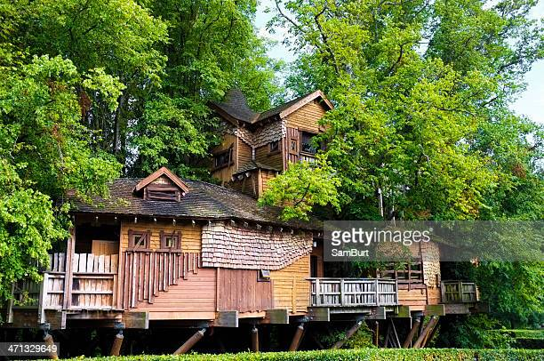 alnwick gardens treehouse - alnwick stock pictures, royalty-free photos & images
