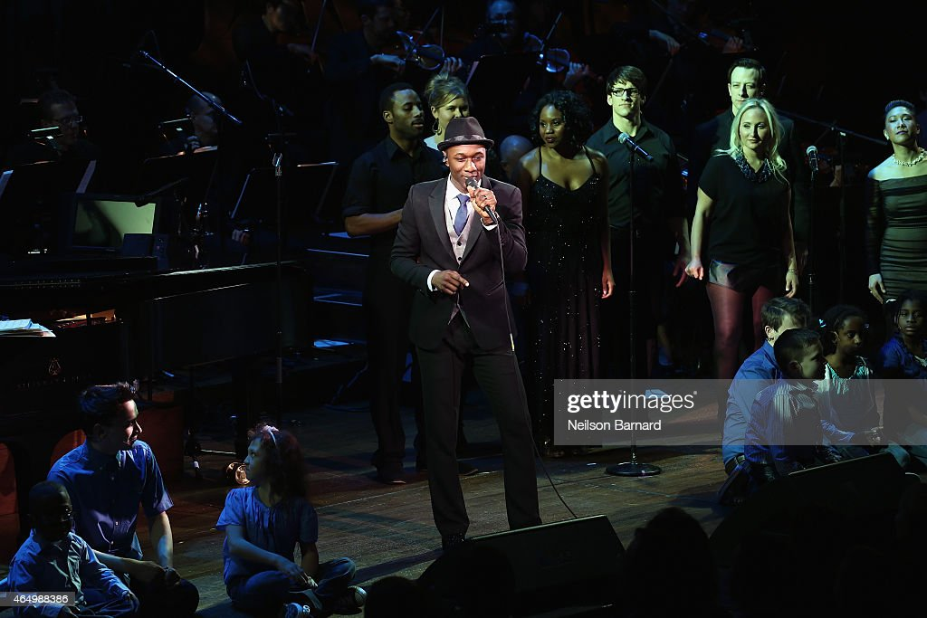 Aloe Blacc performs onstage during SeriousFun Children's Network 2015 New York Gala: An Evening of SeriousFun Celebrating the Legacy of Paul Newman at Avery Fisher Hall at Lincoln Center for the Performing Arts on March 2, 2015 in New York City.