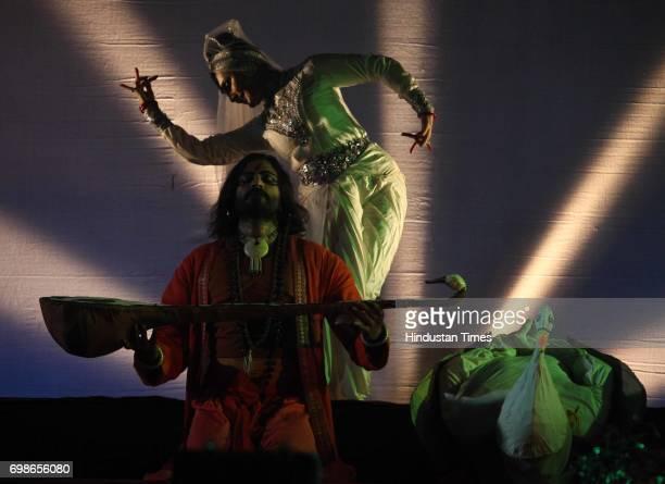 Aloknanada Roy and her group performs at in Durga pooja in Powai Mumbai