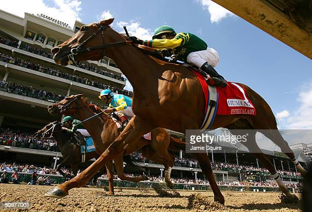 Alonso Quinonez, riding Intangaroo, edges out John Velazquez, riding Baroness Thatcher and Rafael Bejarano, riding Hystericalady to win the 22nd...