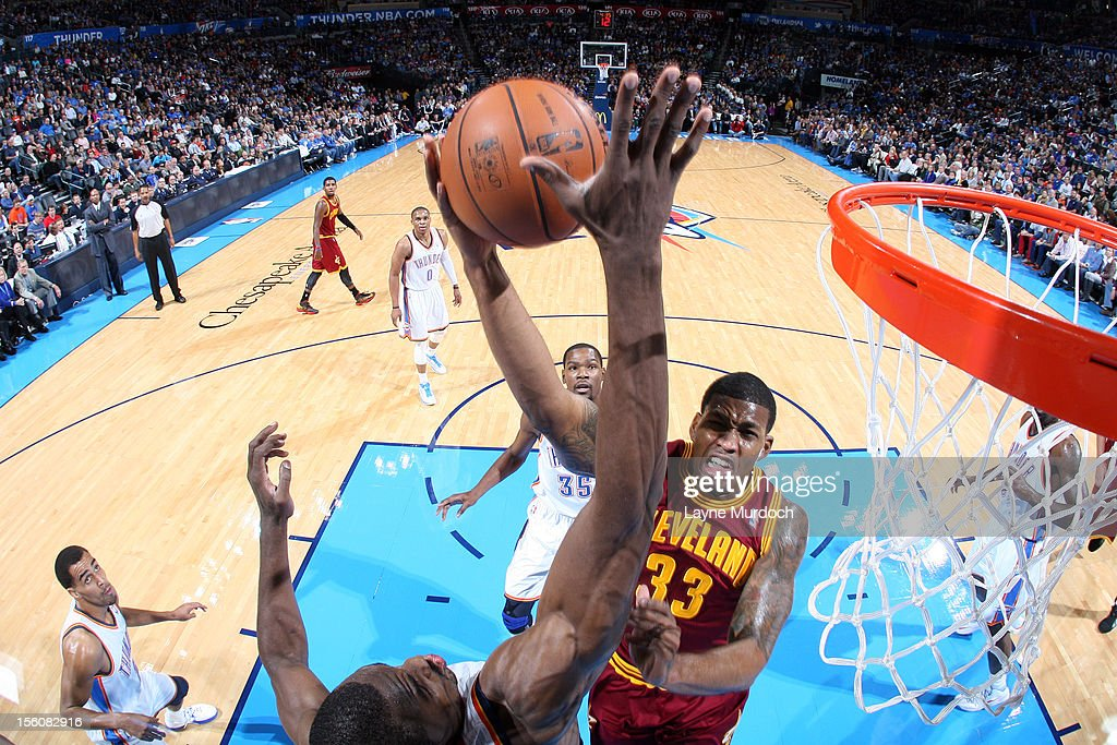 Alonzo Gee #33 of the Cleveland Cavaliers attempts a shot vs the Oklahoma City Thunder during an NBA game on November 11, 2012 at the Chesapeake Energy Arena in Oklahoma City, Oklahoma.