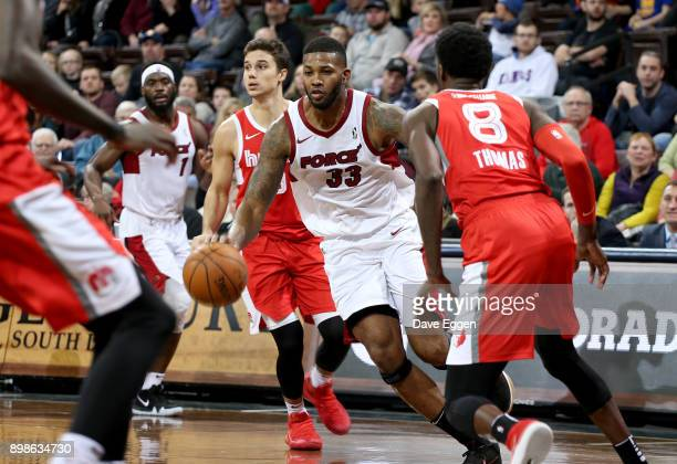 Alonzo Gee of the Sioux Falls Skyforce drives to the basket against the Memphis Hustle during an NBA GLeague game on December 25 2017 at the Sanford...