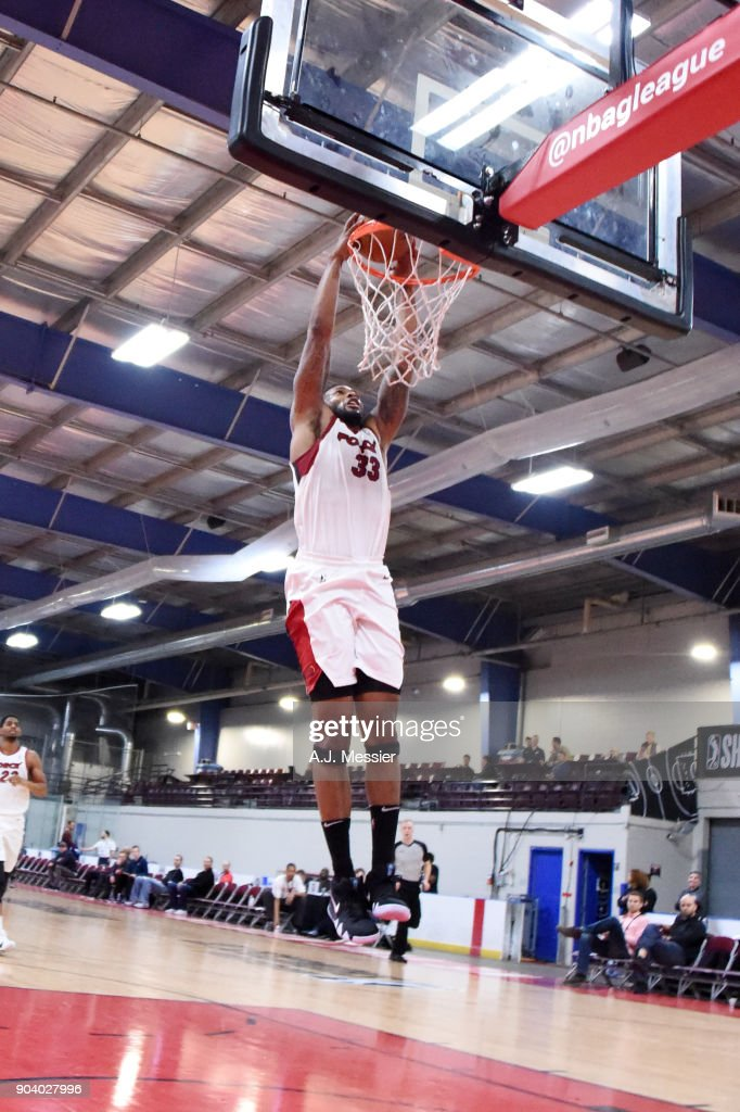 Alonzo Gee #33 of the Sioux Falls Skyforce dunks the ball during the game against the Windy City Bulls at the NBA G League Showcase Game 13 on January 11, 2018 at the Hershey Centre in Mississauga, Ontario Canada.
