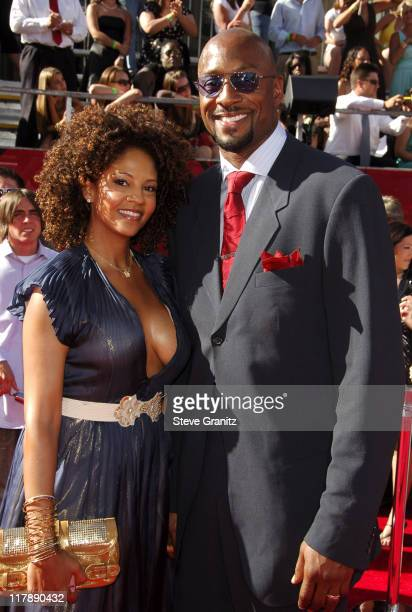 Alonzo Mourning and Tracy Mourning during 2006 ESPY Awards Arrivals at Kodak Theatre in Los Angeles California United States