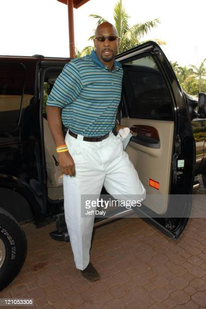 Celebrity Do Gooders: Alonzo Mourning Stops By...