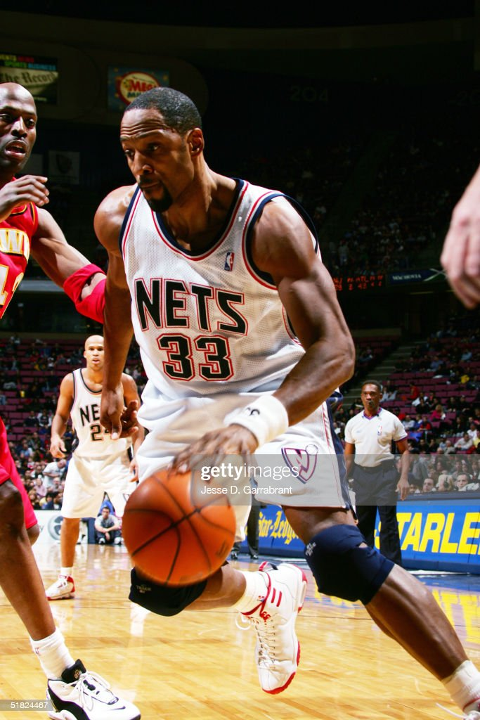 the best attitude a0ebb f2026 Alonzo Mourning of the New Jersey Nets drives against Kevin ...